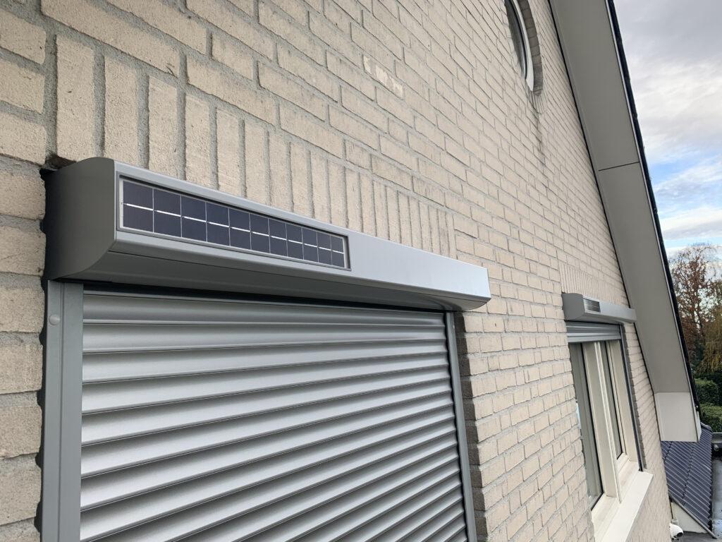 Solar rolluik op zone energie
